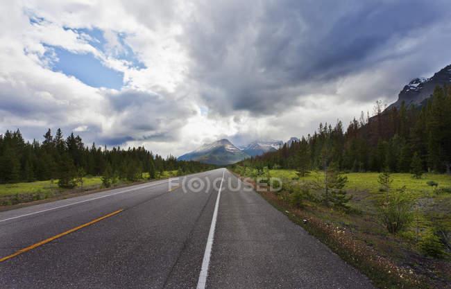 David Thompson Highway — Stock Photo