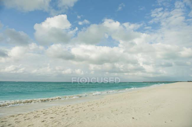 White Sand Along Ocean — Stock Photo