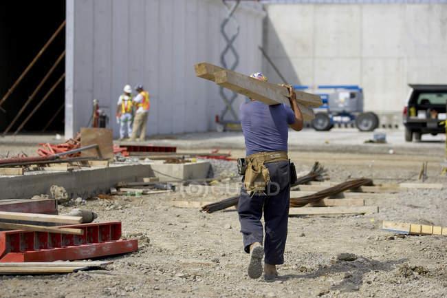 Працівник будівництва в Канаді — стокове фото