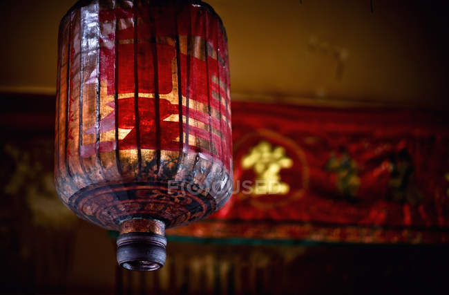 Ancient And Traditional Red Chinese Lantern Hangs In The Temple; Penang Malaysia — Stock Photo