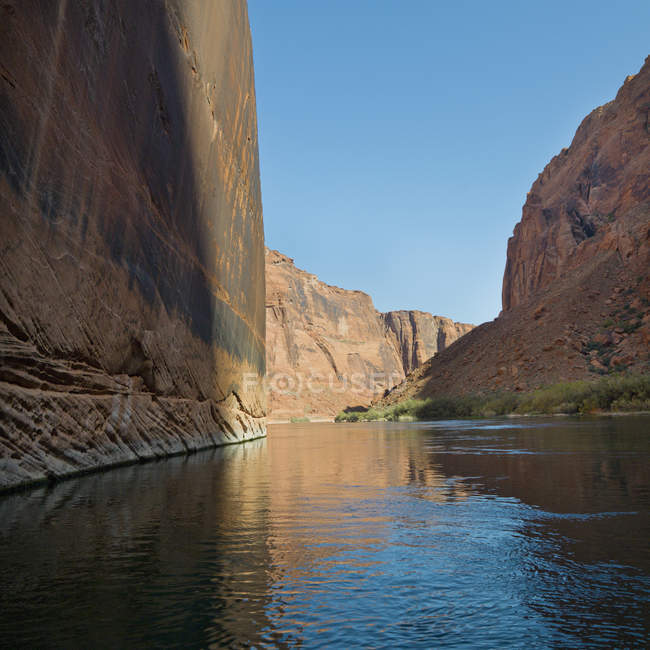 Плоский кам'яну стіну проти в Колорадо — стокове фото