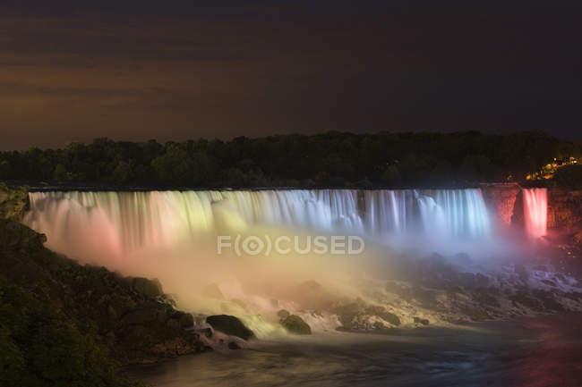 American Falls Lit Up à noite — Fotografia de Stock