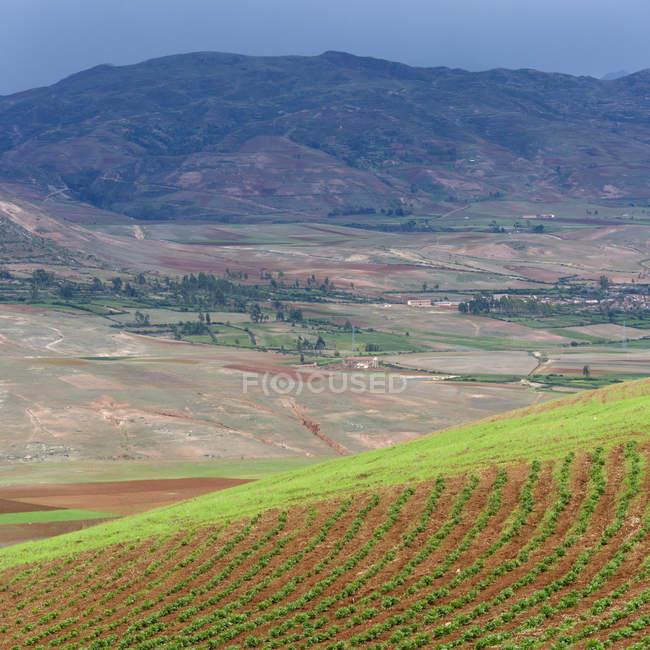 Горы и долины пейзаж — стоковое фото
