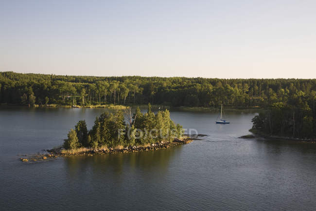 Boat In Approach In The Waterway — Stock Photo