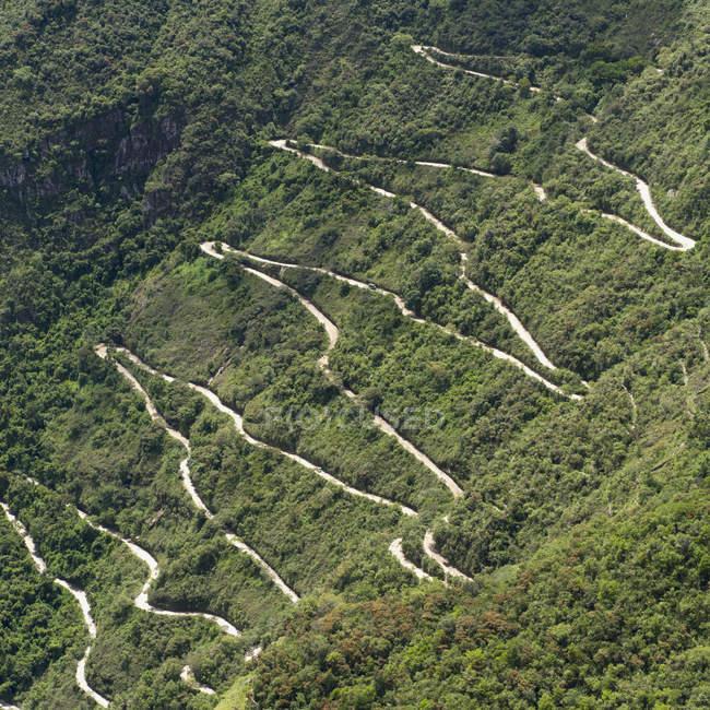 Дорога в гору — стоковое фото
