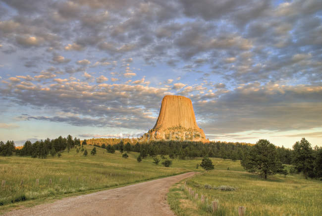 Colourful Sunset On Devils Tower — Stock Photo