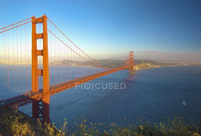Pont du Golden gate au coucher du soleil — Photo de stock