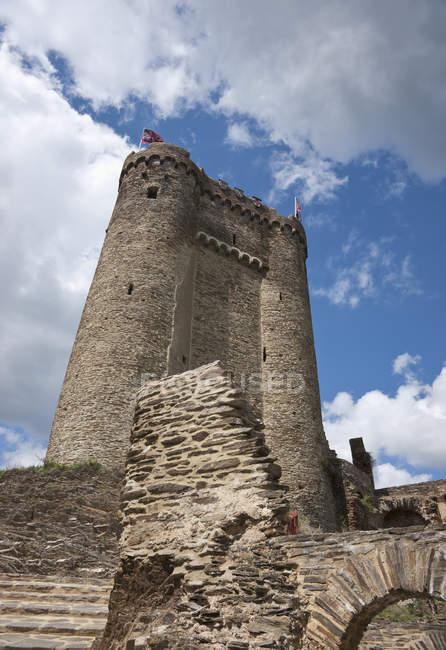Torres del castillo de Ehrenburg - foto de stock