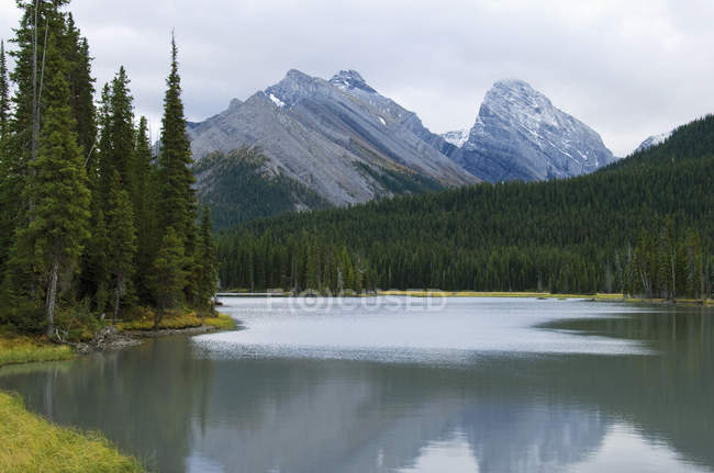 Mud Lake im Kananaskis Provincial Park — Stockfoto