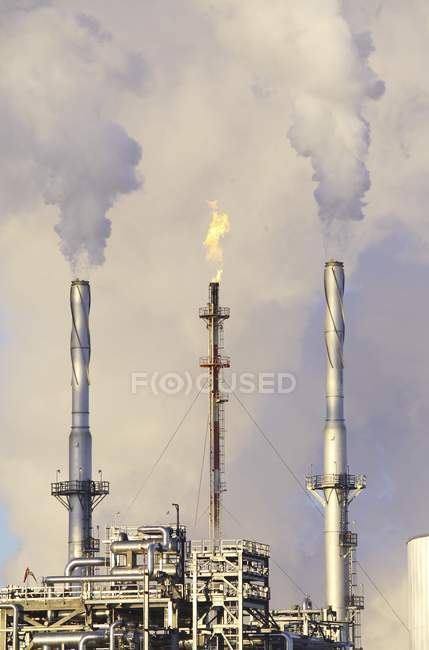 Oil Refinery with towers — Stock Photo