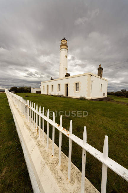White Fence Beside Barns Ness Lighthouse — Stock Photo