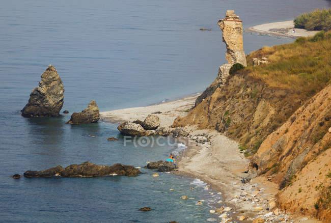 Praia de Alberquillas e falésias — Fotografia de Stock
