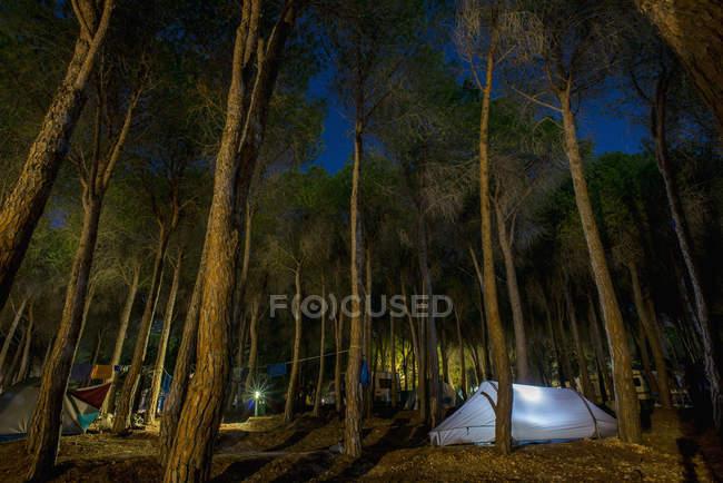 Tent illuminated at dusk — Stock Photo