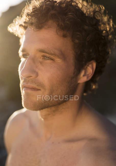Portrait d'homme torse nu — Photo de stock