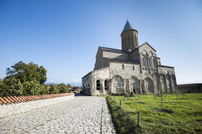 Monasterio de Alaverdi en Georgia - foto de stock