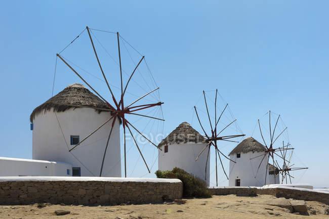 Traditionellen Windmühlen; Chora, Mykonos — Stockfoto
