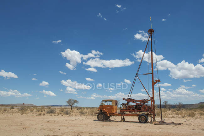 Old oil rig left unattended, canon roadhouse, namibia — Stock Photo