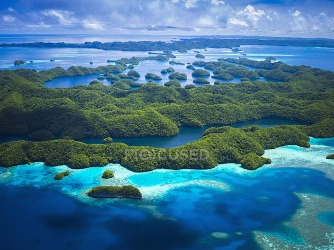 Luftaufnahme der grünen Insel — Stockfoto