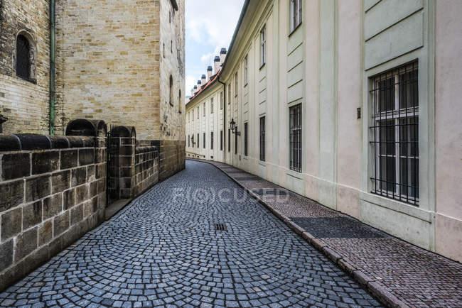 Narrow cobblestone road, Prague — Stock Photo