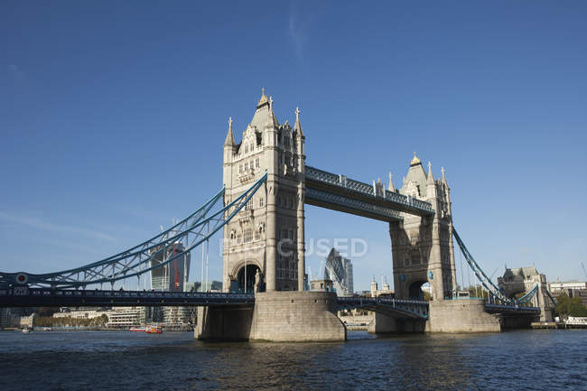 Тауерський міст crosing Річка Темза — стокове фото