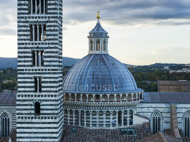 Дах купол собору Сієни — стокове фото