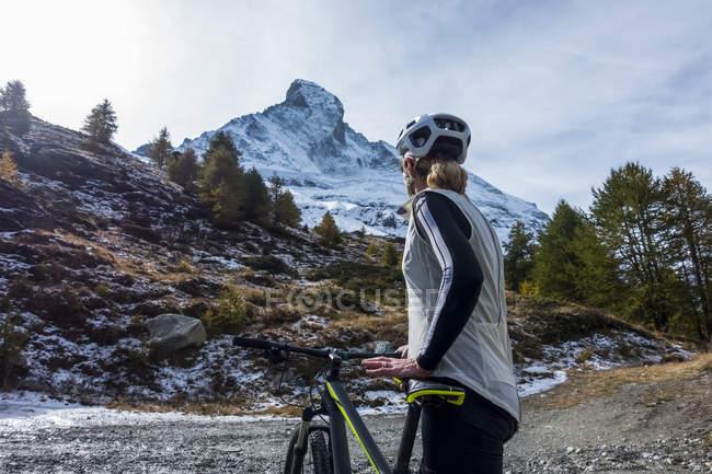Mountain biking near Zermatt — Stock Photo