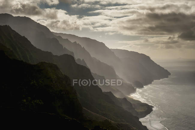 Late afternoon view of the Na Pali Coast — Stock Photo