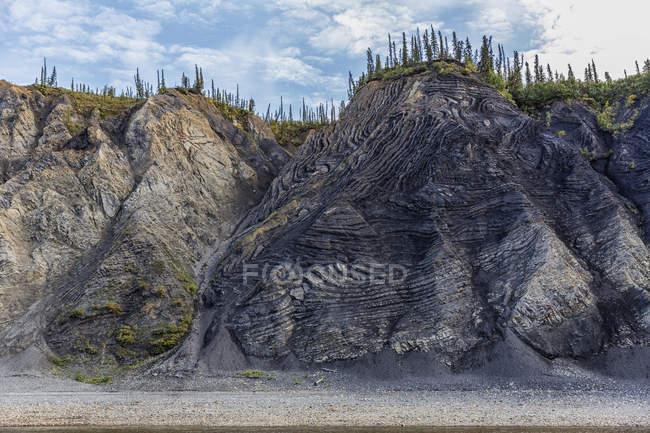 Гора влучно назвою зігніть горою брехні — стокове фото