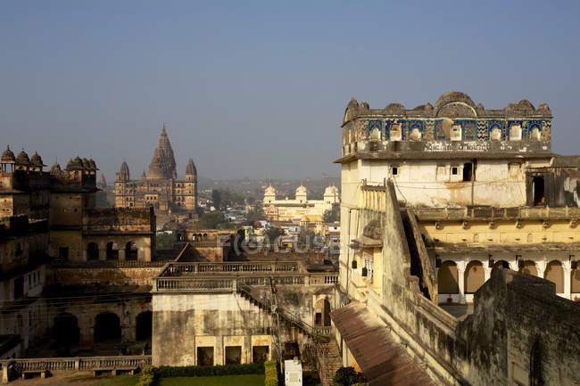 Tempio e Rajput palace — Foto stock