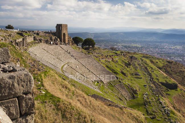 Руины театра в Пергаме — стоковое фото