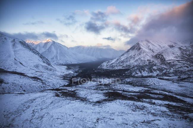 Vue aérienne des monts Ogilvie — Photo de stock
