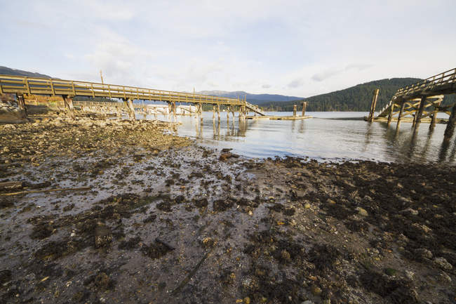 Wooden piers in Burrard Inlet, North Vancouver, British Columbia, Canada — Stock Photo