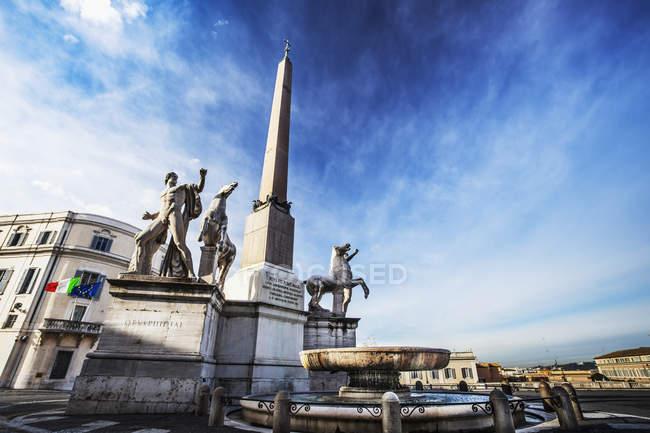 Obelisk in Palazzo del Quirinale — Stockfoto