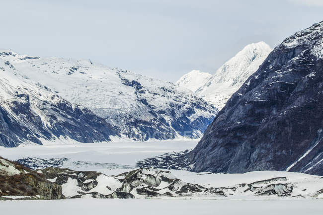 Glacier starts to become exposed — Stock Photo