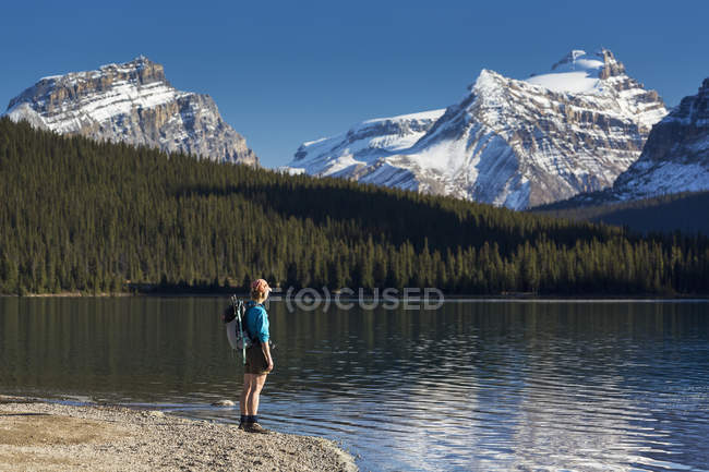 Female hiker standing — Stock Photo