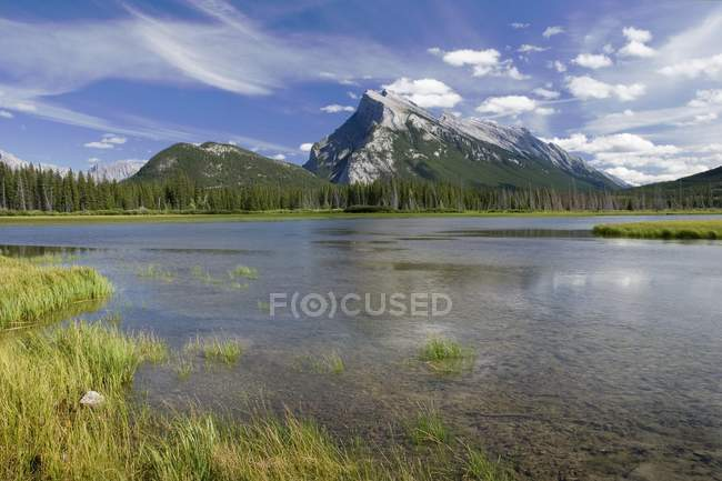 Monte Rundle, Parco nazionale di Banff — Foto stock