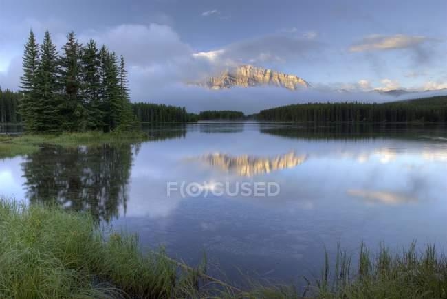 Two Jack Lake, Banff National Park — Stock Photo