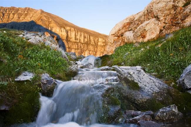 Cachoeira em Kananaskis, Alberta — Fotografia de Stock