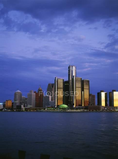 Detroit Skyline At Dusk — Stock Photo