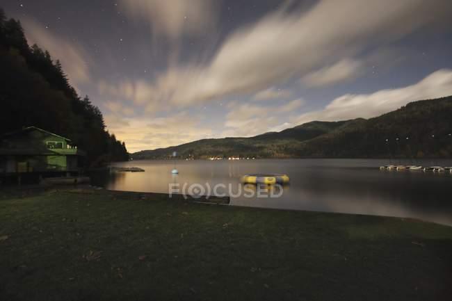 Озеро Whatcom, Беллингхэм — стоковое фото