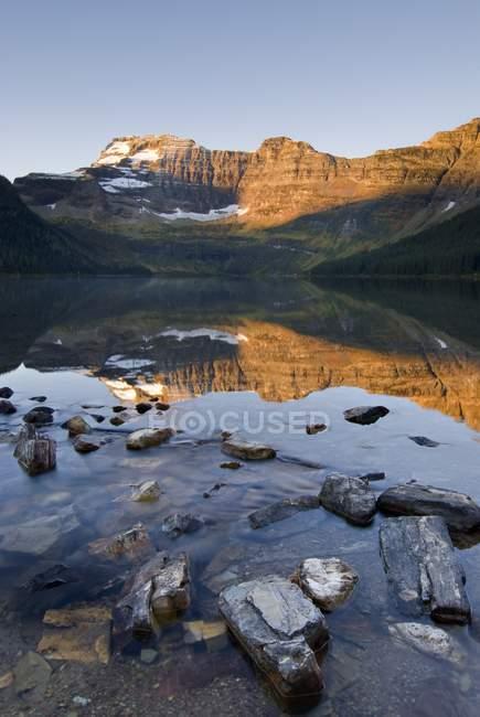 Cameron Lake, Parco nazionale Waterton — Foto stock