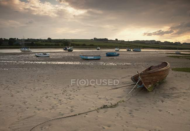 Boats Docked On The Beach, alnmouth, northumberland, england — Stock Photo