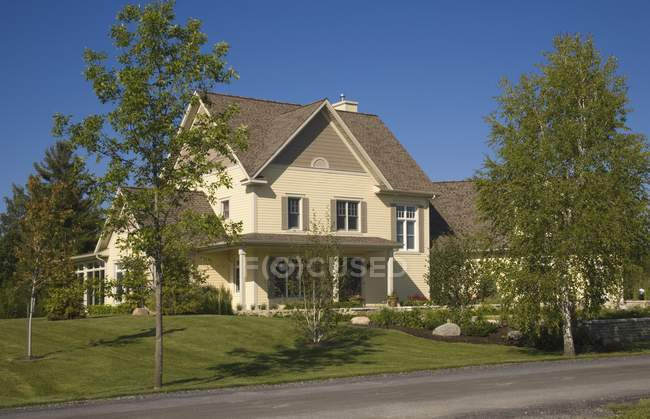 Residential Home on green grass — Stock Photo