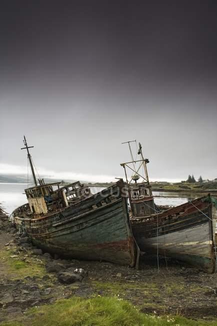 Shipwreck On The Shore — Stock Photo