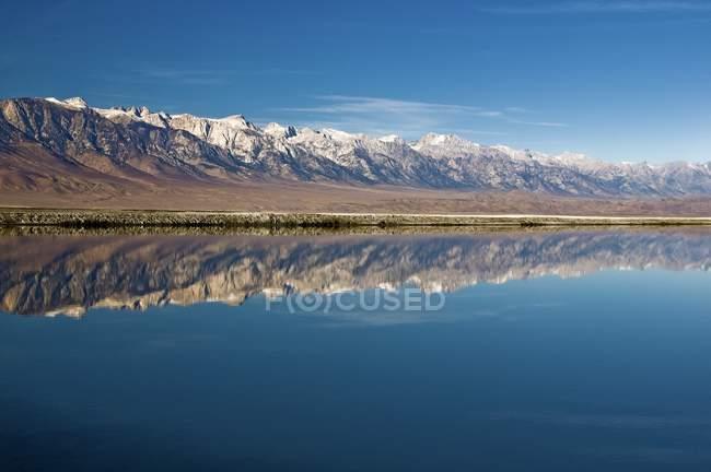 Lago Owens In Sierra montagne di Nevada — Foto stock