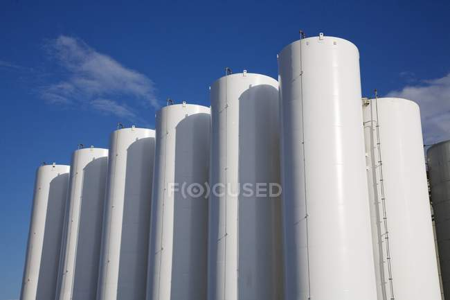 Stockage chimique industriel — Photo de stock
