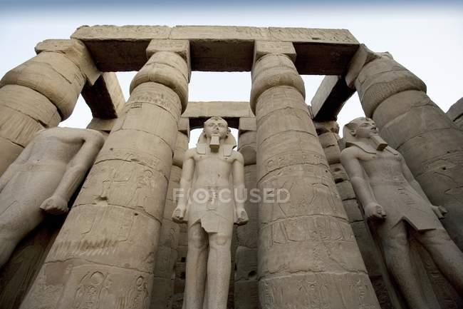 Le Temple de Louxor avec des Statues — Photo de stock