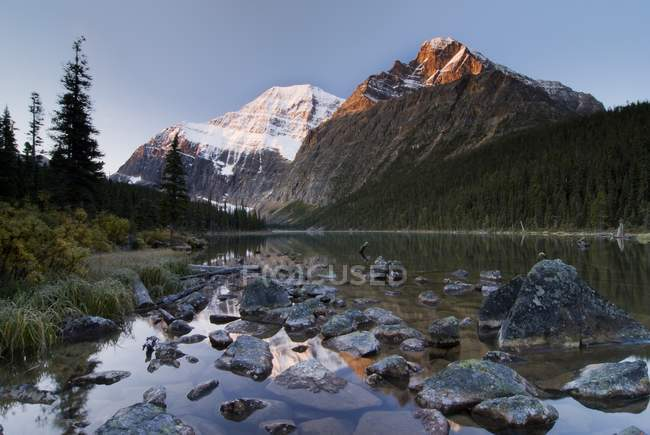 Mount Edith Cavell — Stock Photo