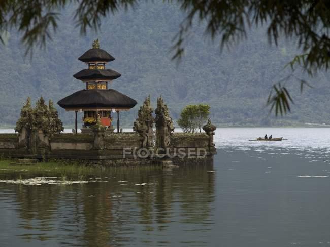 Ulun Danu Tempel am Beratan See — Stockfoto