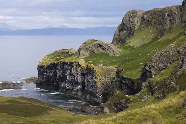Скалы, Colonsay, Шотландия — стоковое фото